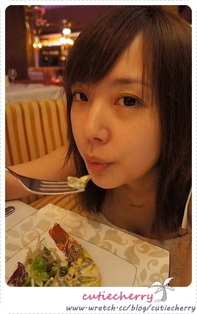 峇里島.巴里島.住宿|The St. Regis Bali Resort 浪漫晚餐♥很撐還是要繼續吃*≧ω≦*